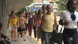 Quantidade de pessoas que passa pela Estação da Lapa favorece comércio local