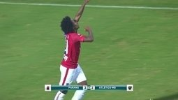 Comentarista destaca precisão do Paraná contra o Atlético-MG