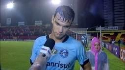 """Vacilamos"", lamenta Rafael Thyere após derrota de virada do Grêmio para o Sport"