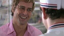 Viriato diz a Edgard que Isabel está a fim dele e o aconselha a não perder essa chance