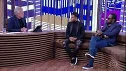 Pedro Bial mostra momentos emocionantes da carreira de Daniel Alves