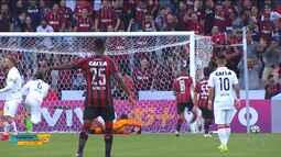 O Atlético goleia o Vitória no Campeonato Brasileiro