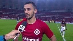 """Uendel explica comemoração em vitória do Internacional: """"Para sair a urucubaca"""""""