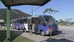 Moradores do bairro Caruara estão sem transporte público