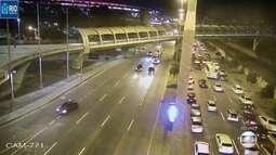 Trânsito lento sentido Maracanã na Radial Oeste