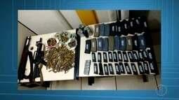 PM prende suspeitos e apreende armas, munições e granadas em Friburgo, no RJ