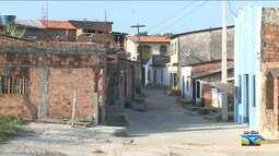Poste é retirado do meio de rua em São Luís