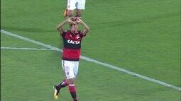 Volantes ousados são receita para goleada e classificação do Flamengo na Sul-Americana
