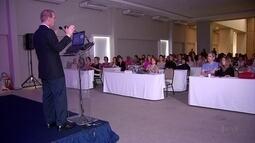 Seminário sobre câncer de mama discute importância do apoio psicológico a pacientes