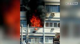 Incêndio atinge prédio da Rua Lins de Vasconcelos, no Méier