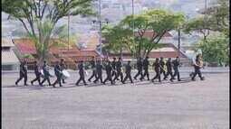 36º Batalhão do Exército realiza solenidade de formatura de 30 estagiários em Uberlândia
