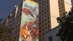 Artistas pintam painéis gigantes em prédios do Centro de Belo Horizonte