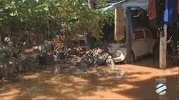 Chuva surpreende moradores de Várzea Grande e provoca muitos estragos