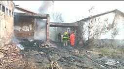 Incêndio destroi escola abandonada na Zona Sul de Teresina
