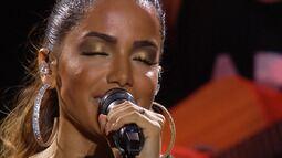 Festival de Verão: Anitta canta 'Will I see you'