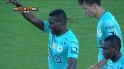 Gol do Barcelona-EQU! Banguera lança Betancourt, que não desperdiça, aos 19 do 2º