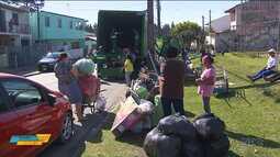 Câmbio Verde troca lixo reciclável por frutas, legumes e verduras