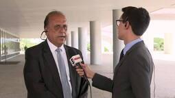 'Não vou julgar o comportamento do prefeito', diz Pezão