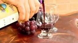 Santa Teresa, no ES, tem usina de processamento de uvas para fazer suco
