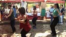 Mostra de dança promove apresentação em feira livre de Goiânia
