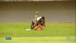 No futebol de MS, clássico termina em violência; no parque, corrida em prol da paz