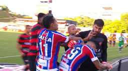 Após brigas e expulsões, Bahia é declarado vencedor de jogo contra o Vitória