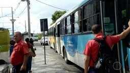 Ônibus limitam entrada de estudantes e idosos em Campos, no RJ