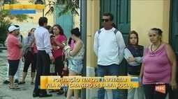 Usuários enfrentam fila para fazer o recadastramento da tarifa social em Florianópolis