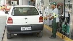 Postos recuam nos preços dos combustíveis para vendas não caírem