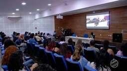 Equipe do Profissão Repórter realiza encontro com estudantes de jornalismo da UFMS