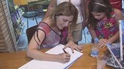Rosana Valle lança segundo livro 'Rota do Sol' em Bertioga
