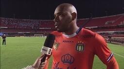 """Goleiro Paes sobre a falha no primeiro gol: """"Lance que eu tenho que rever"""""""