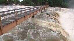 Chuvas criam espetáculo natural na Cachoeira do Urubu, em Esperantina