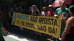 Protesto dos servidores da Prefeitura de Maceió interdita bairro do Jaraguá