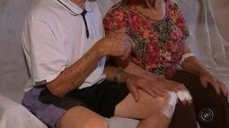 Casal de idosos é agredido por assaltante ao sair de agência bancária em Tupã