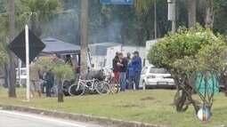 Caminhoneiros permanecem parados em trecho urbano da BR 381, em Ipatinga