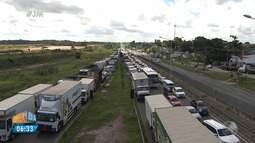 Motoristas falam sobre a quinta-feira (24) com pouca gasolina nos postos de Salvador