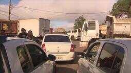 Caminhoneiros fecham parte de rodovia no AP contra alta no valor de combustíveis