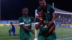Goiás vira para cima do Paysandu e reage na Série B