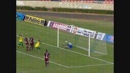Uberlândia perde gols, mas busca empate no fim contra o Caxias no jogo de ida das oitavas