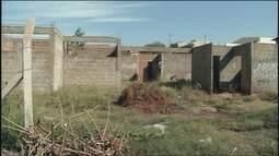 Local onde deveria funcionar uma Unidade Básica de Saúde está abandonado em Ourinhos