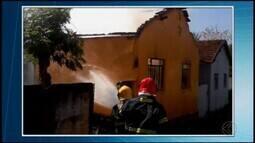 Três incêndios são registrados em bairros de Divinópolis.