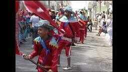 Tradições das Festas de Agosto encantam população em reinado de Nossa Senhora do Rosário