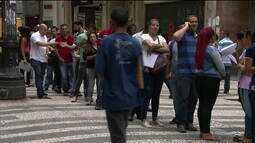 Desemprego cai no 2º trimestre, mas desalento é recorde