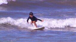 Etapa do Campeonato Estadual de Surf é realizada em Cabo Frio, no RJ