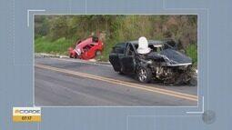 Jovem de 21 anos morre e três ficam feridos em acidente entre Carvalhos e Seritinga