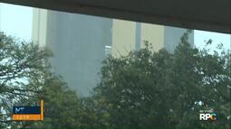 Moradores de Cascavel são surpreendidos com chuva forte e vento