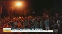 Alunos e professores da Unicamp fazem passeata contra o candidato Jair Bolsonaro
