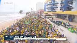 Grupo faz caminhada de apoio ao candidato à presidência Jair Bolsonaro