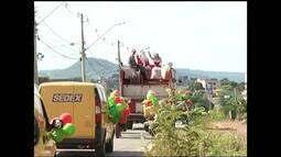Carreata marca o início da campanha 'Papai Noel dos Correios' em Montes Claros